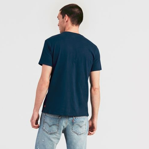 Levi's Men's T-Shitr Sportswear Logo Graphic.