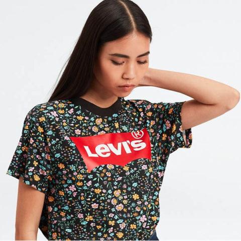 Levi's Women's Graphic Varsity Tee
